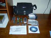 SAMSUNG CAMCORDER SC-DC164 33X OPTICAL ZOOM COMPLETE LIKE NEW
