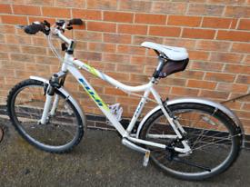 """Fuji bike bicycle streetbike """"26 white"""