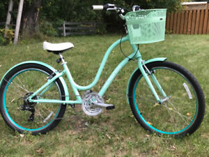 Mint Condition Townie Women's Touring Bike!