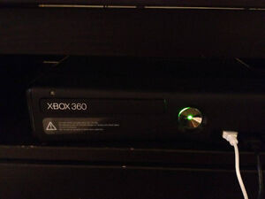 Xbox 360 250 gig w/assorted games and controller