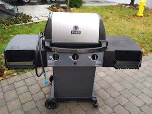 Broil Mate natural gas bbq