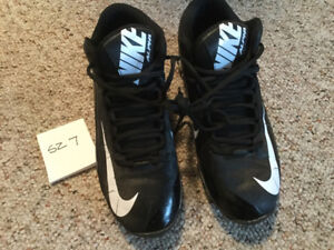 Football Cleats Sz 7