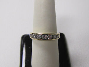 BEAUTIFUL 14K GOLD 1.0 CARAT DIAMOND RING