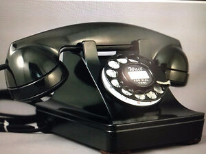WESTERN ELECTRIC 302 PRE WAR TELEPHONE WITH METAL CASE