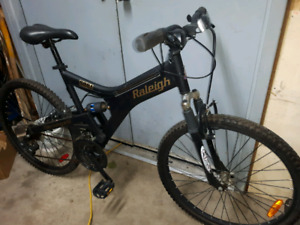 Raleigh dual suspension mountain bike- made in Canada