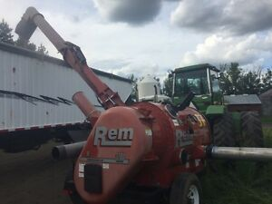 REM 3700 HD Grain Vac 7HRS Like New 10,000 Bus/Hr Strathcona County Edmonton Area image 2