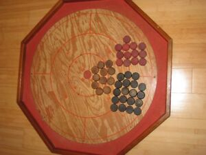 1950's Monro Games Crokinole 3-in-1 game with Wooden Play Discs