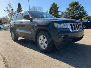 2011 JEEP GRAND CHEROKEE LAREDO 4X4 V6 - VERY CLEAN