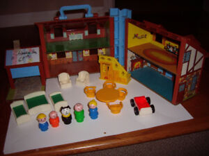 FISHER PRICE VINTAGE DOLL HOUSE WITH ACCESS