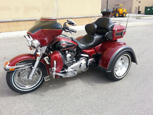 Ultra Classic Red and Black Pearl Harley