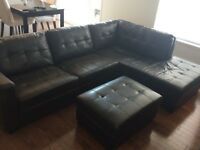 Fake leather couch.  Fauteuil faux cuir