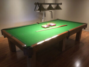 Billard & Bowling 5x10 Snooker Table and Accessories