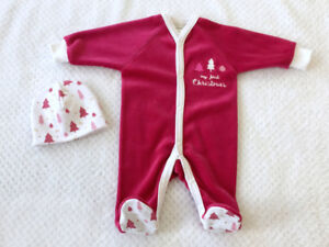 *NEW* Christmas Onesies, bibs & MORE