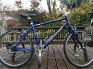 ADULTS SPECIALIZED HYBRID BIKE IN GREAT CONDITION.