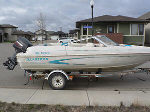 1995 Glastron open bow boat
