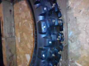 Studded motocross tire's