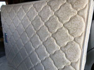 MATTRESS AND BOXSPRING, QUEEN, $100