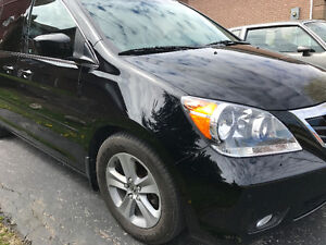 2010 Honda Odyssey Touring Minivan $17500 or BEST OFFER AS-IS