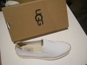 UGG W SAMMY Shoes For Women White (BRAND NEW)