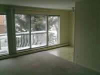 Cozy 1 bedroom suite with a balcony (Acadia) on Whyte ave.