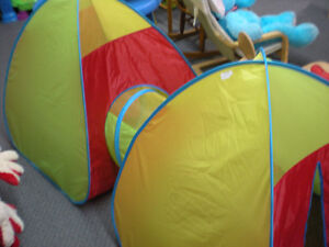Double kids play tent and tunnel