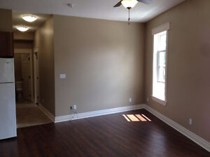 Beautiful 2 bedroom apt. Heritage building, close to downtown Stratford Kitchener Area image 2