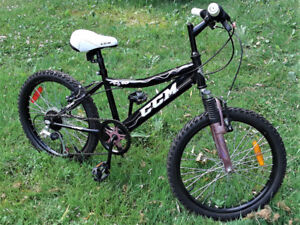 """CCM FS 2.0 Youth Bike with a 12.5"""" (31.75 cm) high-tensile steel"""