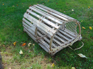 GENUINE LOBSTER TRAP--CAGE A HOMARD AUTHENTIQUE