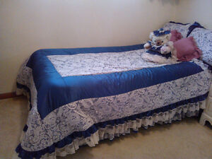 Single Bed Comforter Set and Round Table