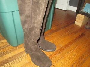 Ladies Brown Suede Boots