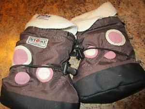 STONZ booties size Large with liner - Girl