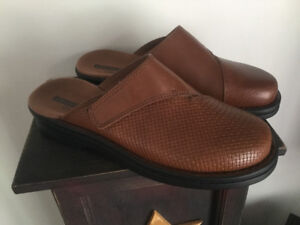 Clark's Leather Shoes// never worn!