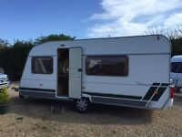 5 Berth Lunar Chateau 500/5 with full awning and annex