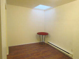 Downtown 3 1/2 for rent, only 595$ per month