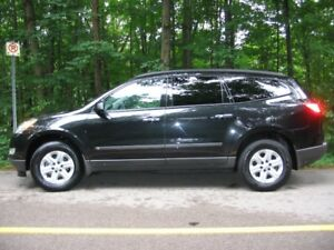 2009 Chevrolet Traverse LS SUV, Crossover