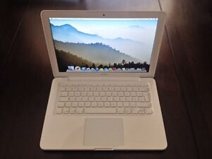 "Apple 13.3"" 2010 Unibody Macbook"
