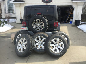 5 Wrangler tires New 255 70R18 M&S and Chrome Rims