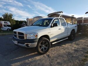 "2008 Dodge SXT 5.7 Hemi 4X4 4-Dr 35"" tires *REDUCED*"