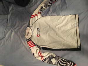 Oakley long sleeve rash guard size Medium
