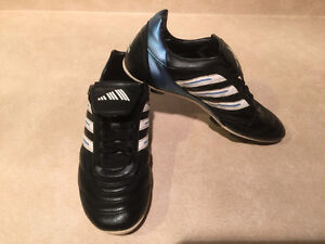 Women's Adidas Outdoor Soccer Cleats Size 7 London Ontario image 8