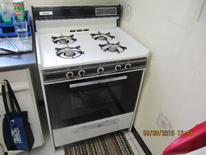 Classic Danby DGR468W 30inch Gas Stove Made In Canada Cir1998