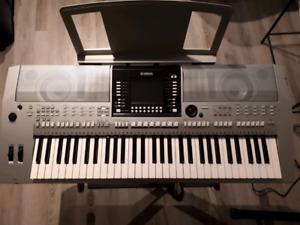 Clavier yamaha PSR-s 910