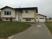Great Family Home situated in a Fantastic Area of Camrose!