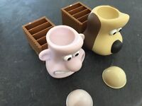 Collectable Wallis and Gromit egg cup set