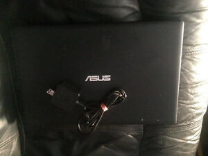 Laptop for sale, just like brand new!!