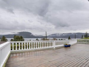4 bedroom/2 Bathroom North Vancouver Ocean View House for Rent