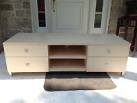 Table a television/TV Bench