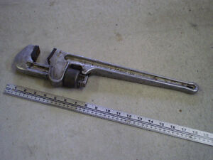 "Clé à tube en aluminium 18"" - Pipe wrench"
