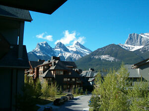 Last Minute Booking - Thanksgiving in Canmore
