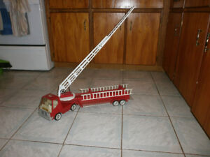 Nylint pressed tin fire truck, early 70's
